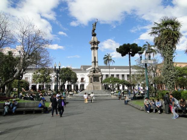 square statue